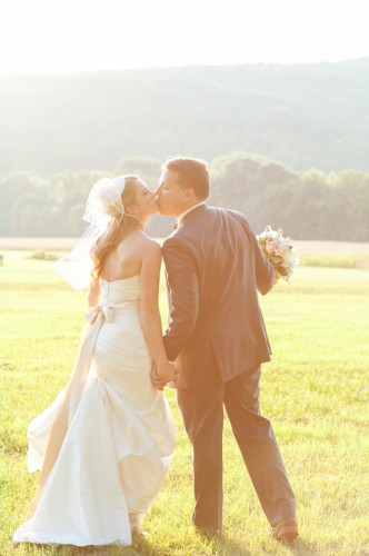 Michaela & Kyle: Outdoor Summer Wedding