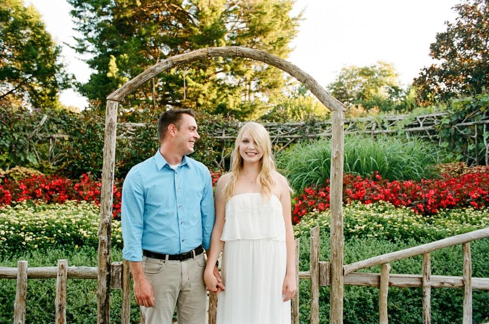 Nicole & Ryan: Botanical Garden Portraits