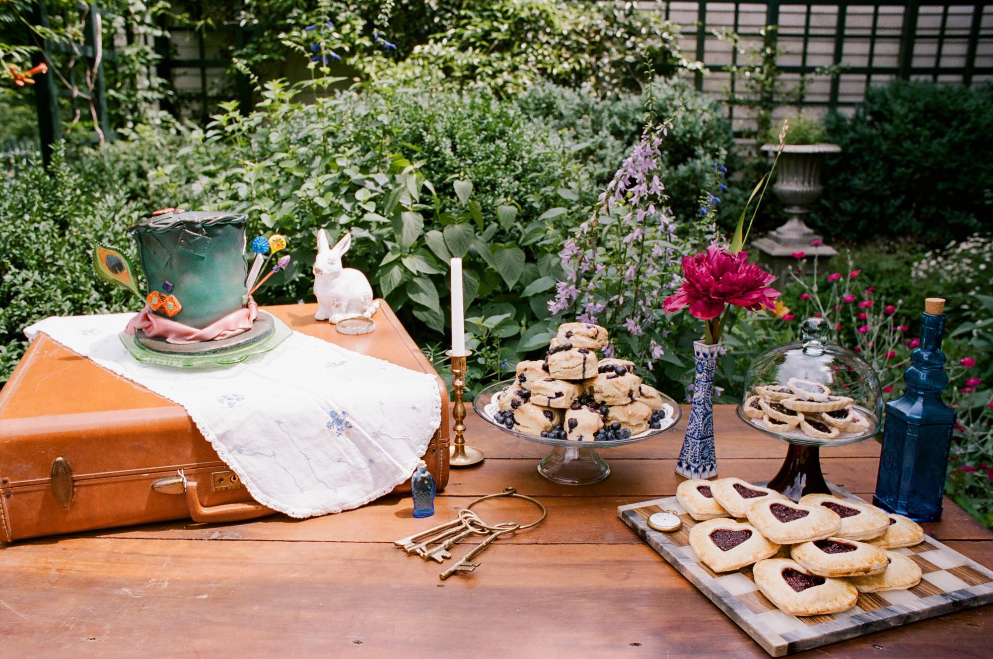 alice in wonderland wedding inspiration_0025